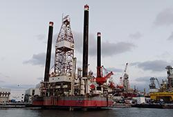 中石化新胜利一号海上平台